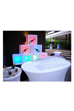 Illuminated baron bar for Cocktail tables rental singapore